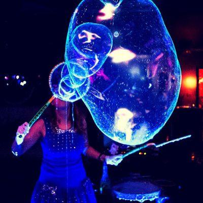 Шоу мыльных пузырей на теплоходе